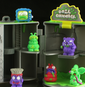 AtomicDrumThumb 295x300 The Trash Pack Atomic Drum Ooze Chamber Mini Figure Playset Review