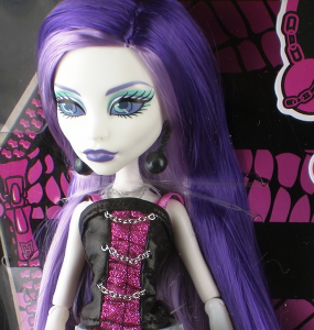 SpectraThumb 285x300 Mattel Monster High Spectra Vondergeist Doll Review