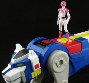 BlueLionThumb 300x281 Mattel Voltron Classics Blue Lion and Princess Allura Figure Review