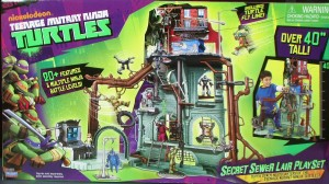 PIC 7232 300x168 Nickelodeon Teenage Mutant Ninja Turtles Secret Sewer Home Playset Review