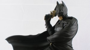 PIC 3029 300x168 Kotobukiya The Dark Knight Rises Batman 1/6 Scale Pre Painted Model Video Review